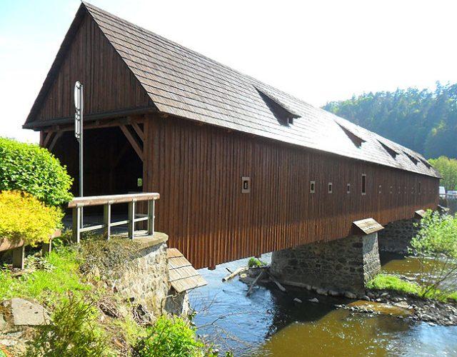 Radošovský most